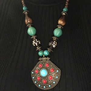 New colorful stone necklace